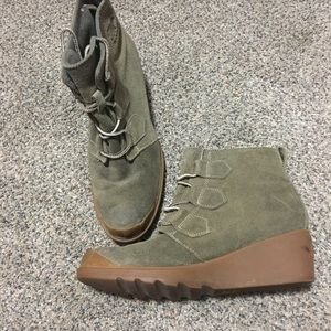 Sorel-booties ankle boots wedge olive